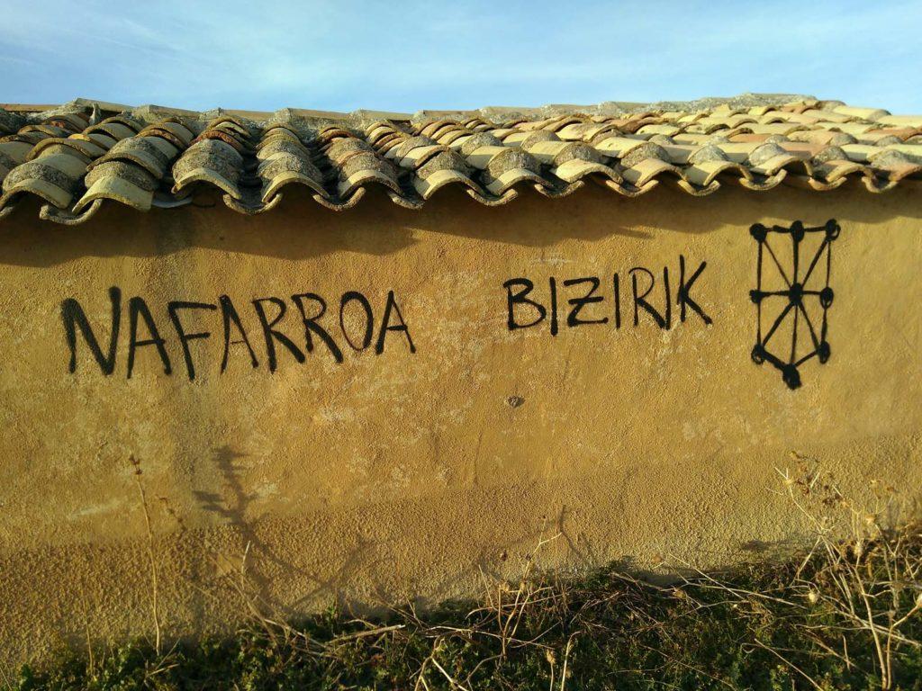 Figura 1. Navarra Bizirik. Navarra viva. El deterioro ambiental de una de las regiones más biodiversas de España es galopante y el Gobierno de Navarra no contribuye a frenarlo, sino todo lo contrario.